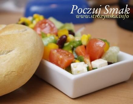 Sałatka grecka z fetą i warzywami